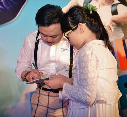 """Hoài Linh """"đại náo"""" rạp chiếu phim - 10"""