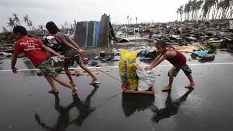 Trẻ em Philippines và nỗi ám ảnh siêu bão Haiyan - 9