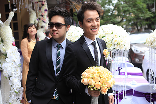 Thủy Anh liên tục hôn Đăng Khôi trong lễ cưới - 16