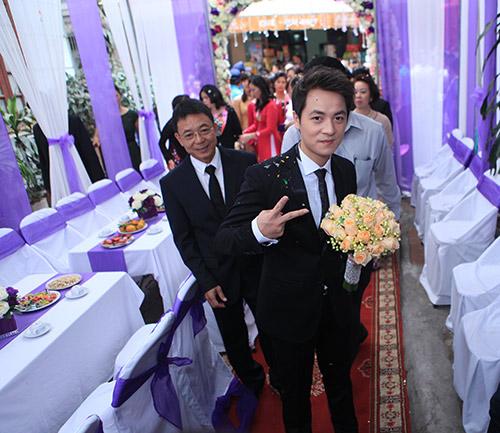 Thủy Anh liên tục hôn Đăng Khôi trong lễ cưới - 15