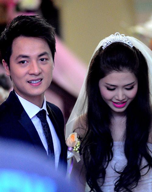 Thủy Anh liên tục hôn Đăng Khôi trong lễ cưới - 11