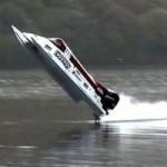 Thể thao - Suýt chết khi lập kỷ lục tốc độ đua xuồng máy