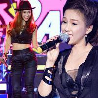 Ca sĩ Đinh Hương mặc bạo chẳng kém ai