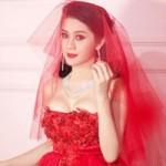 Sao ngoại-sao nội - Lại choáng với váy cưới Lâm Chí Khanh