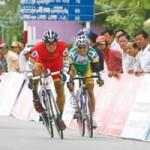 Thể thao - Khai mạc giải đua xe đạp Nam Kỳ Khởi Nghĩa: Xe đạp lên voi