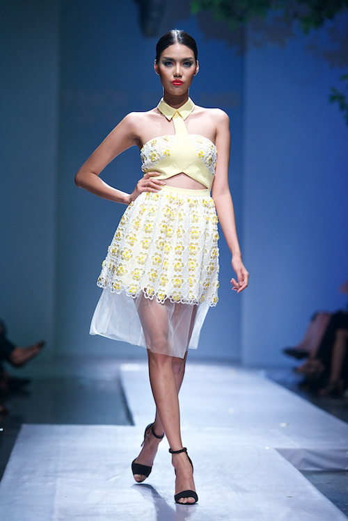 Trang Phạm thu hút với váy hở táo bạo - 15