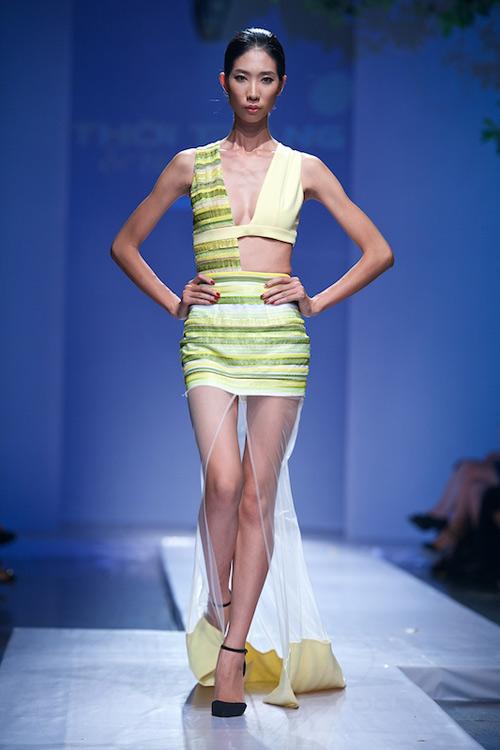 Trang Phạm thu hút với váy hở táo bạo - 2