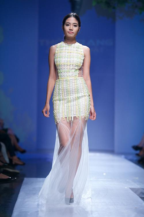 Trang Phạm thu hút với váy hở táo bạo - 18