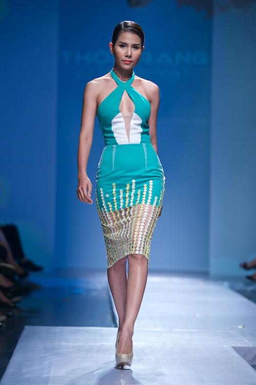 Trang Phạm thu hút với váy hở táo bạo - 8
