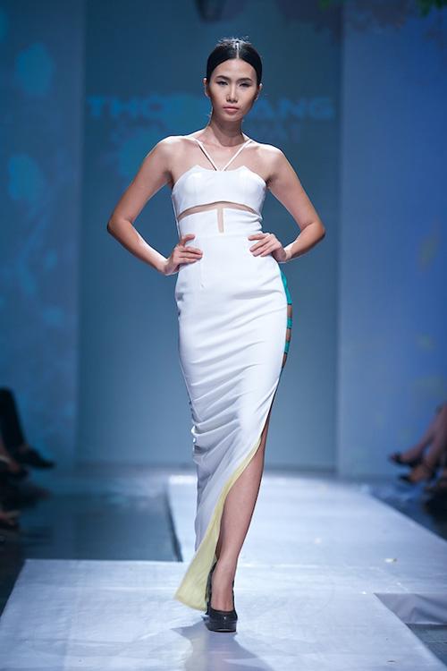 Trang Phạm thu hút với váy hở táo bạo - 13