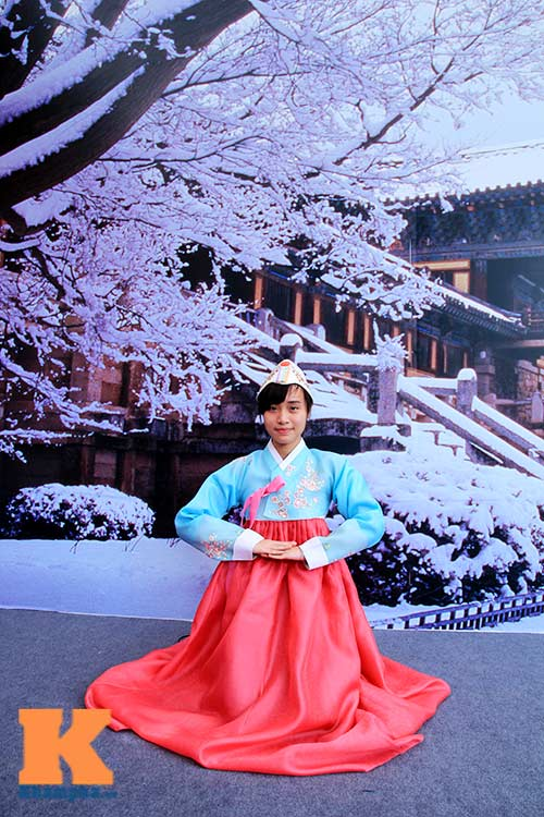 Thiếu nữ Việt điệu đà diện hanbok - 4