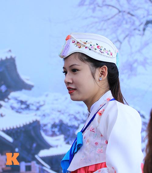 Thiếu nữ Việt điệu đà diện hanbok - 3