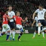 """Bóng đá - Anh - Chile: Đòn """"trừng phạt"""""""