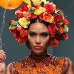 Thời trang - Lan Khuê đội hoa rực rỡ trên sàn diễn
