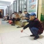 Tin tức trong ngày - Đường sắt ngập trong lũ, hành khách kẹt lại ga