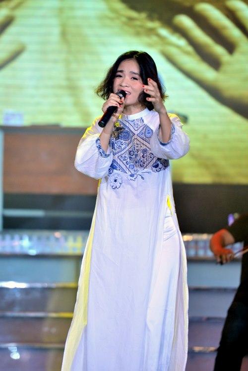 Trúc Nhân gây xúc động với hit của Wanbi Tuấn Anh - 5