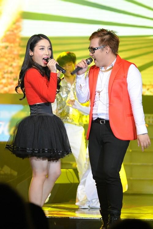 Trúc Nhân gây xúc động với hit của Wanbi Tuấn Anh - 7