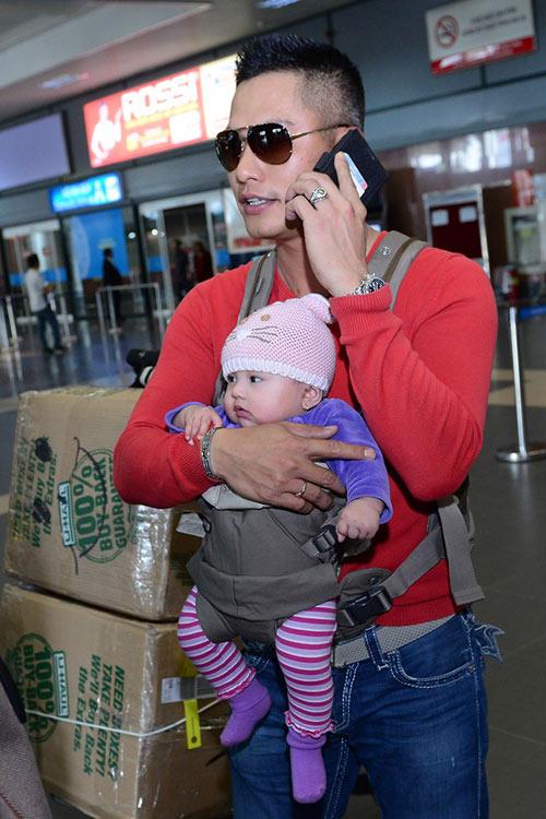 Jennifer Phạm khoe con gái ở Việt Nam - 6