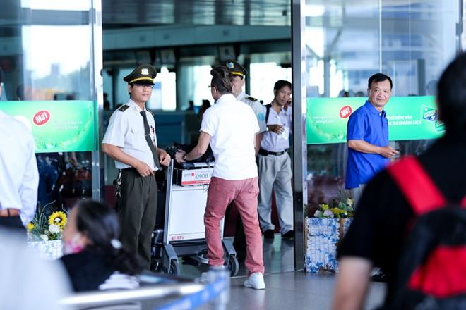 """Cao Thái Sơn bị """"làm khó"""" ở sân bay - 5"""