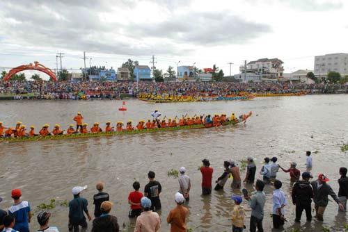 Đặc sắc Festival đua ghe ngo đồng bào Khmer - 12