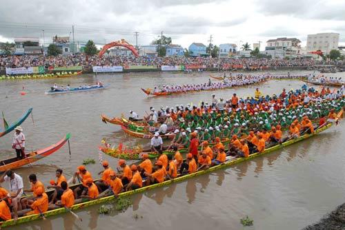 Đặc sắc Festival đua ghe ngo đồng bào Khmer - 2