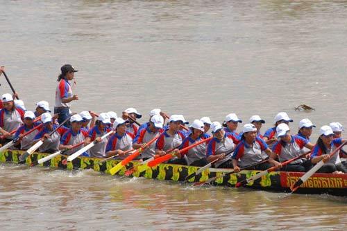 Đặc sắc Festival đua ghe ngo đồng bào Khmer - 9