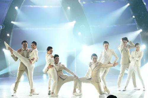 Thót tim vì thí sinh Bước nhảy - 6
