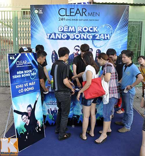 """""""Cơn bão"""" fan đổ bộ Đêm Rock Tâng Bóng 24h - 2"""
