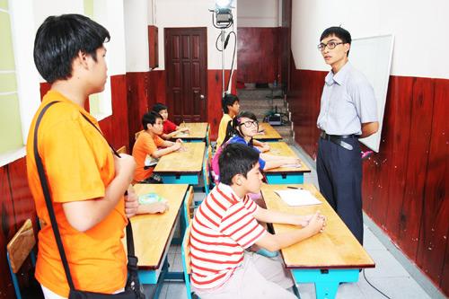 """8 chàng """"ngố tàu"""" trên màn ảnh Việt - 15"""