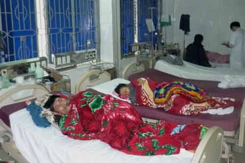 Hà Tĩnh: Ăn giỗ, 40 người đi cấp cứu - 1