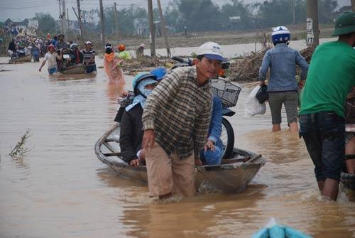 Quảng Nam: Lũ chồng lũ, dân lại trắng tay - 1