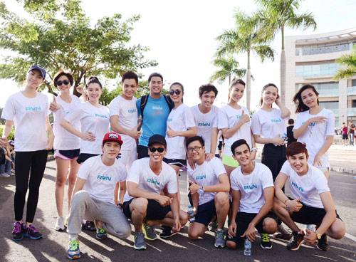 Hà Tăng háo hức chạy bộ cùng em chồng - 16