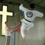 Thể thao - Liên hoàn cước trên không của Taekwondo