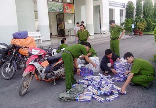 Tăng kinh phí hỗ trợ bắt giữ thuốc lá lậu - 1