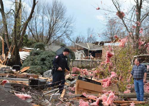 Chùm ảnh: Lốc xoáy tàn phá miền Trung nước Mỹ - 5