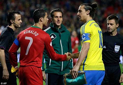 "Ibra ""hạ"" Ronaldo: Nhiệm vụ bất khả thi - 1"