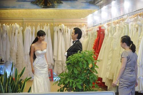 """""""Nữ hoàng scandal"""" Lê Kiều Như thử váy cưới - 4"""