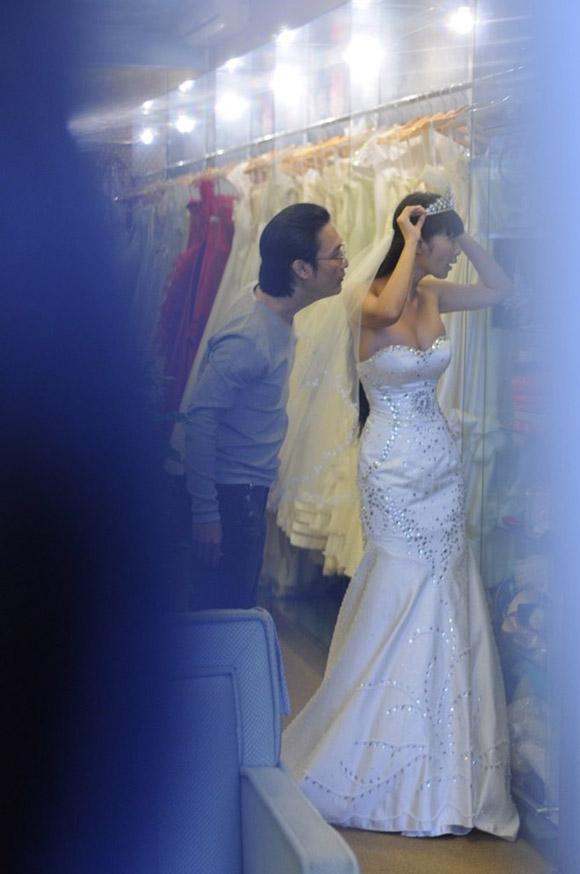 """""""Nữ hoàng scandal"""" Lê Kiều Như thử váy cưới - 3"""