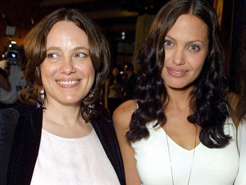 Angelina Jolie nhận giải Oscar nhân đạo - 8