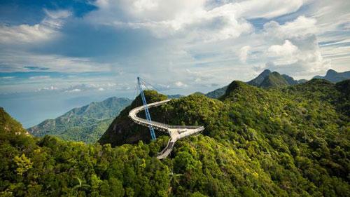 Những cây cầu đẹp lạ trên thế giới - 2