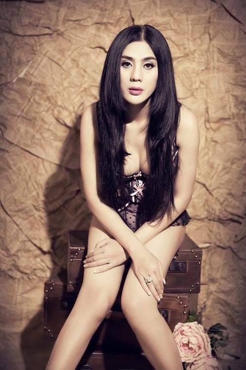 Lâm Chí Khanh khoe nội y, quảng bá show mới - 9
