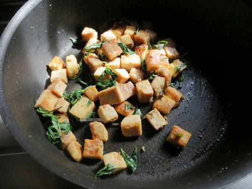 Ngon cơm với đậu phụ chiên húng quế - 5