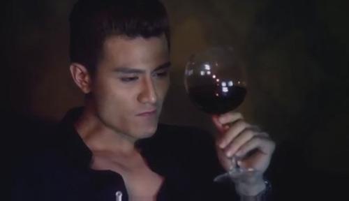 Phim của Hoàng Thùy Linh tung trailer 18+ - 2