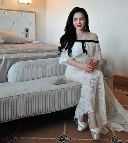 Sao Việt đẹp hút hồn trên thảm đỏ quốc tế - 9