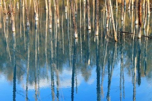 Hồ nước ma thuật đổi màu theo thời tiết - 7