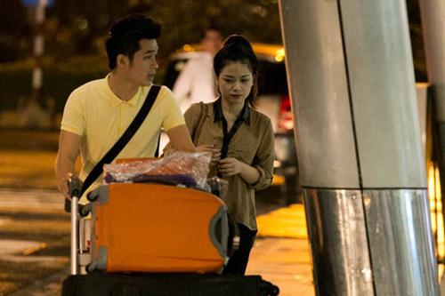Dương Hoàng Yến lặng lẽ theo bạn trai về Hà Nội - 2