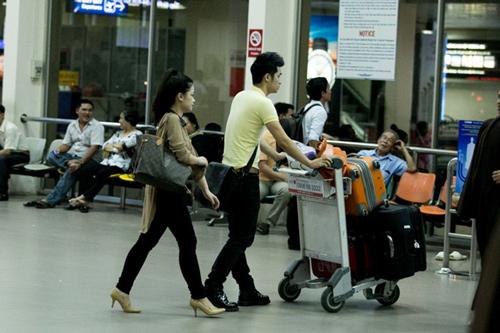 Dương Hoàng Yến lặng lẽ theo bạn trai về Hà Nội - 4