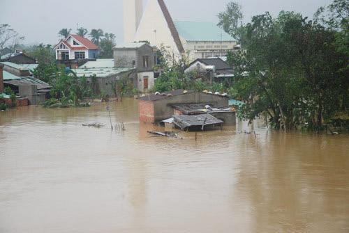 46 người chết, mất tích do mưa lũ ở miền Trung - 1