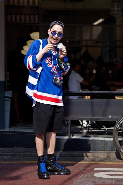 Xem đàn ông châu Á mặc gì trên phố! - 19