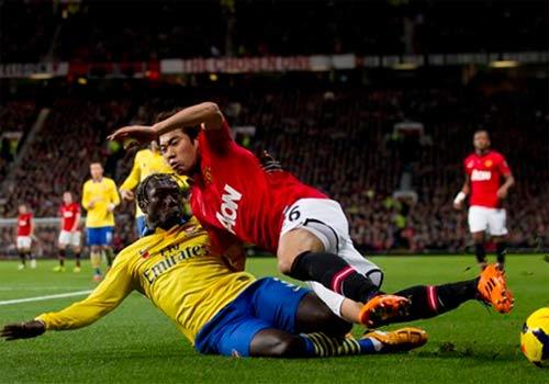 Arsenal & nguy cơ mất ngôi đầu sau 2013 - 1